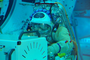 Thomas Pesquet spacewalk training