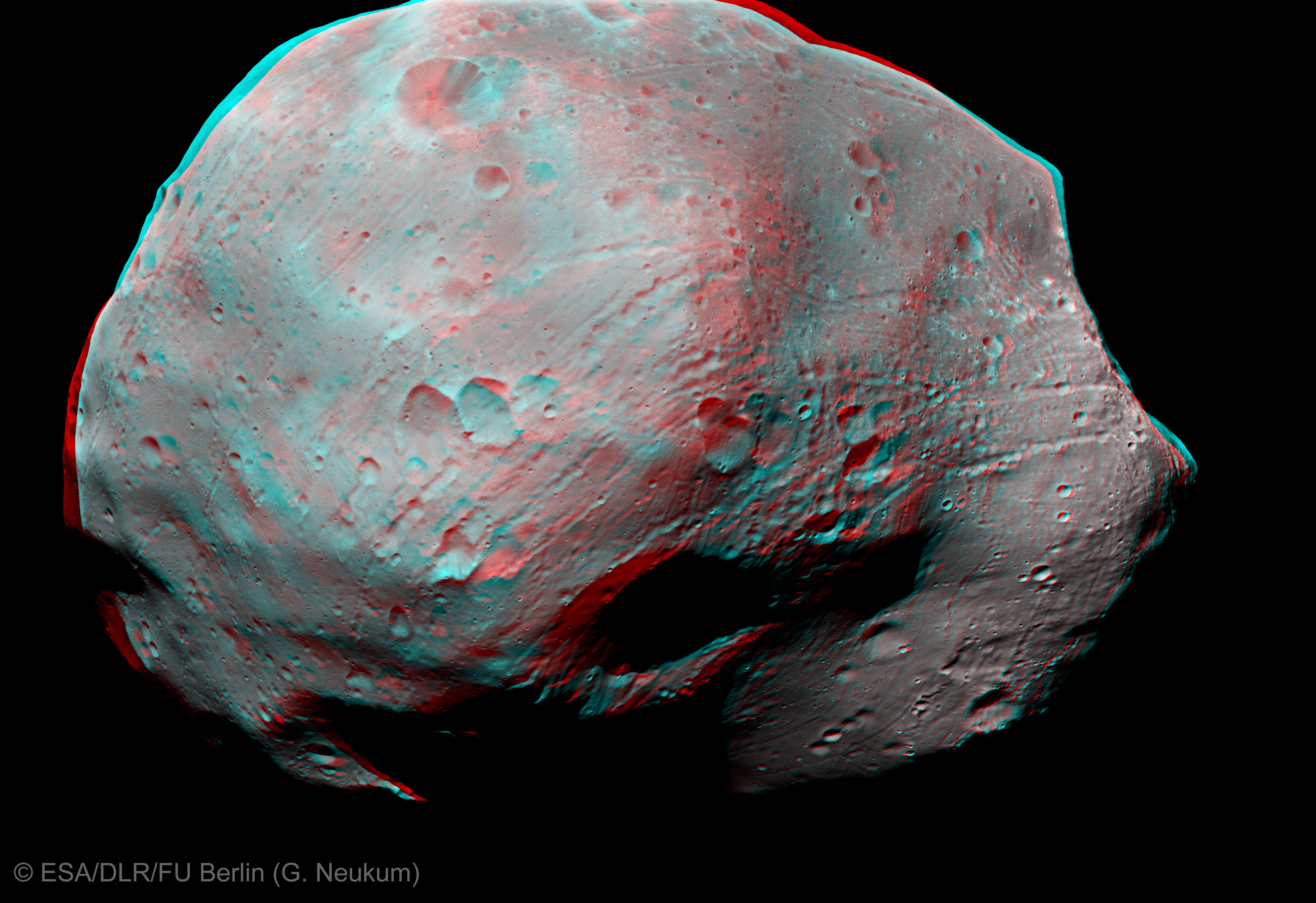 Space in images 2012 08 phobos in 3d for Space in 3d