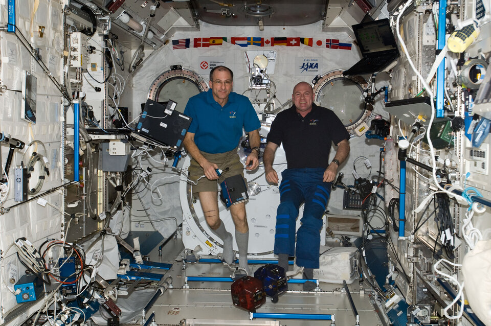 2012 Spheres finals on International Space Station