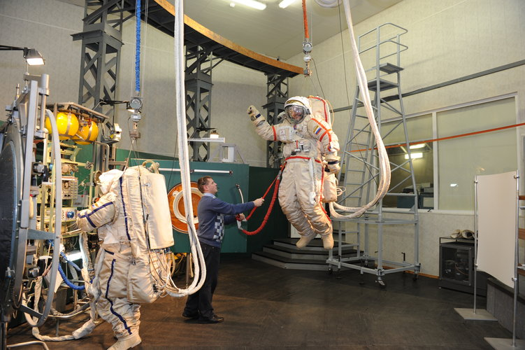 Alexander spacewalk training