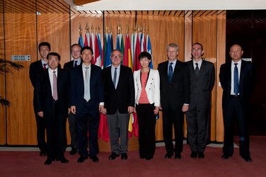 ESA Director General welcomes Chinese officials to ESA headquarters