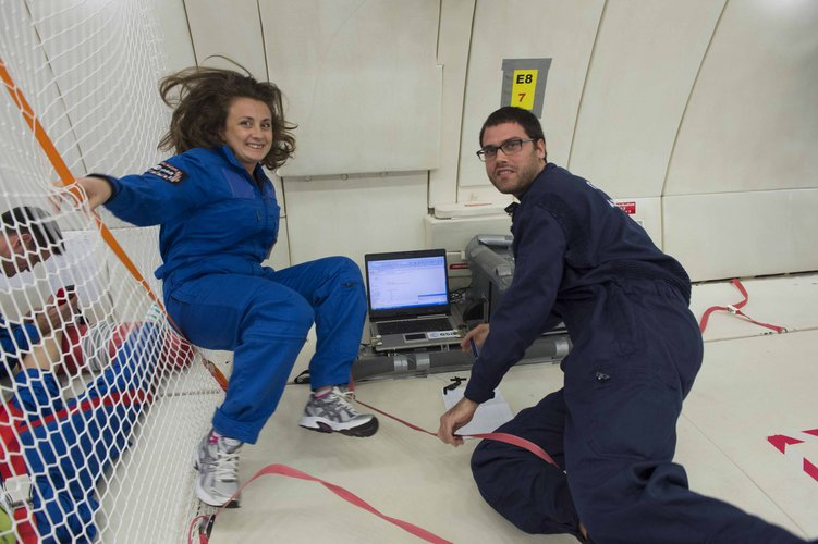 LINVforROS students in Microgravity