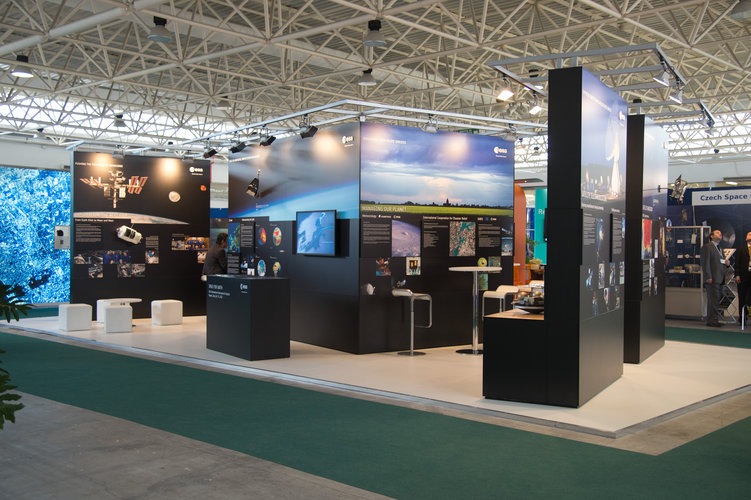 Overview of the ESA exhibition 'Space for Earth' IAC 2012