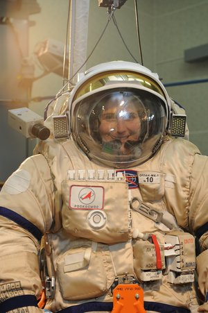 Samantha spacewalk training