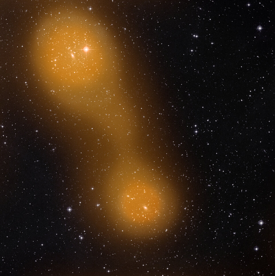 Galaxy clusters connected by gas bridge