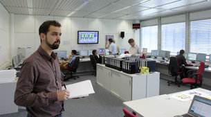 ESA Spacecraft Operations Engineer Bruno Sousa in the Venus Express Project Management Support Room, ESA/ESOC, Darmstadt, Germany