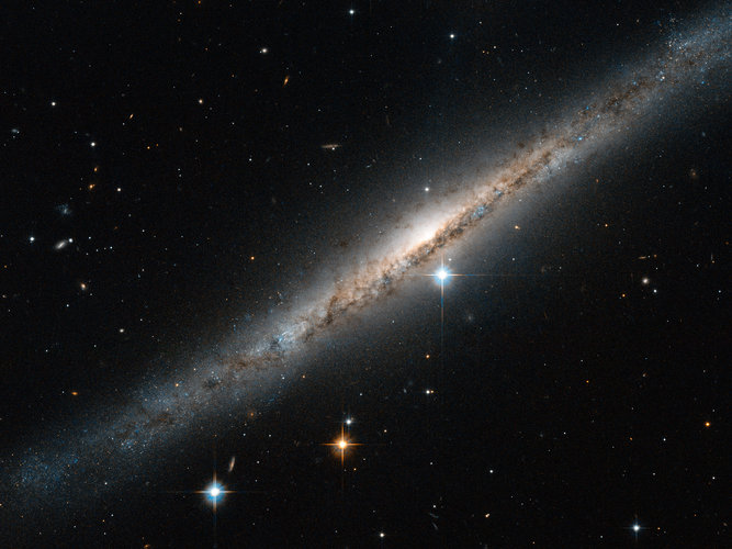 ESO 121-6 seen by Hubble