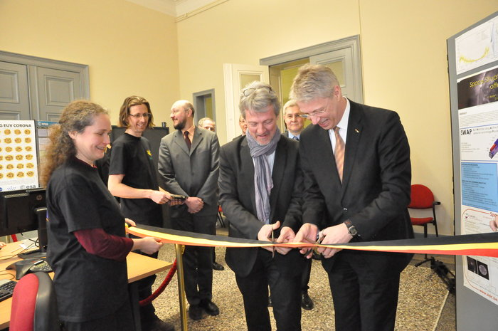 Cutting the ribbon to open ESA's new Space Weather Coordination Centre, Brussels
