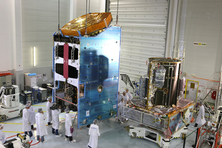 Alphasat next to Alphabus platform