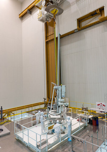 ATV-4 late-cargo loading at Kourou