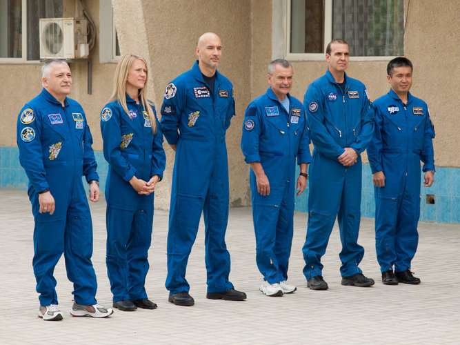 Expedition 36/37 prime and backup crew members