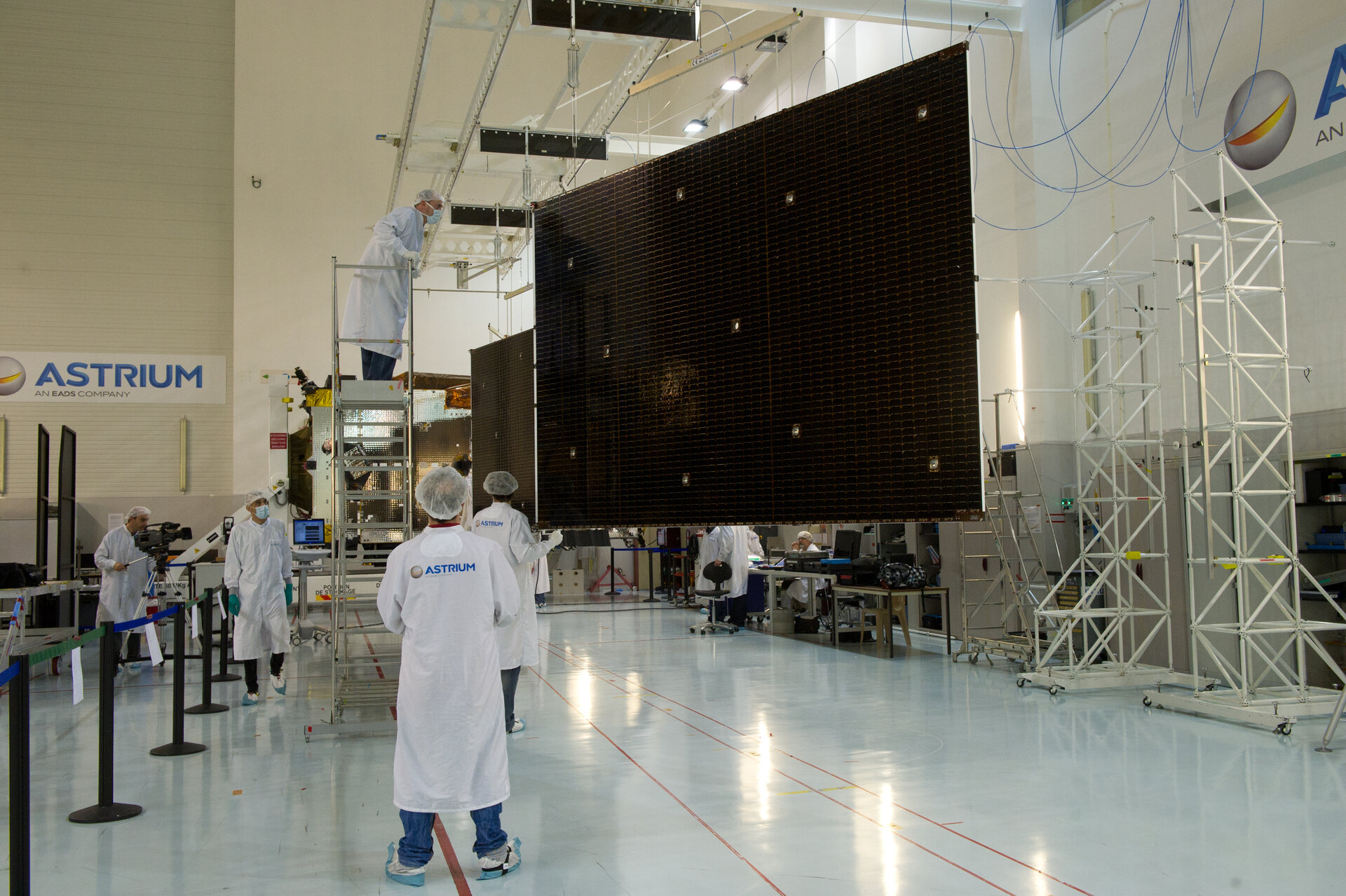 Alphasat solar array installation