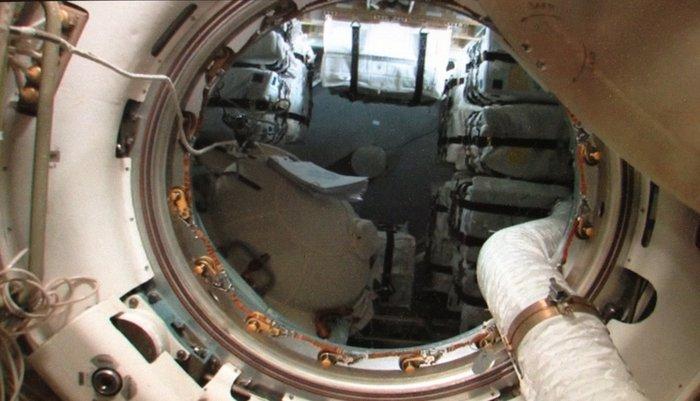 Space in Images - 2013 - 06 - ATV-4 Ingress