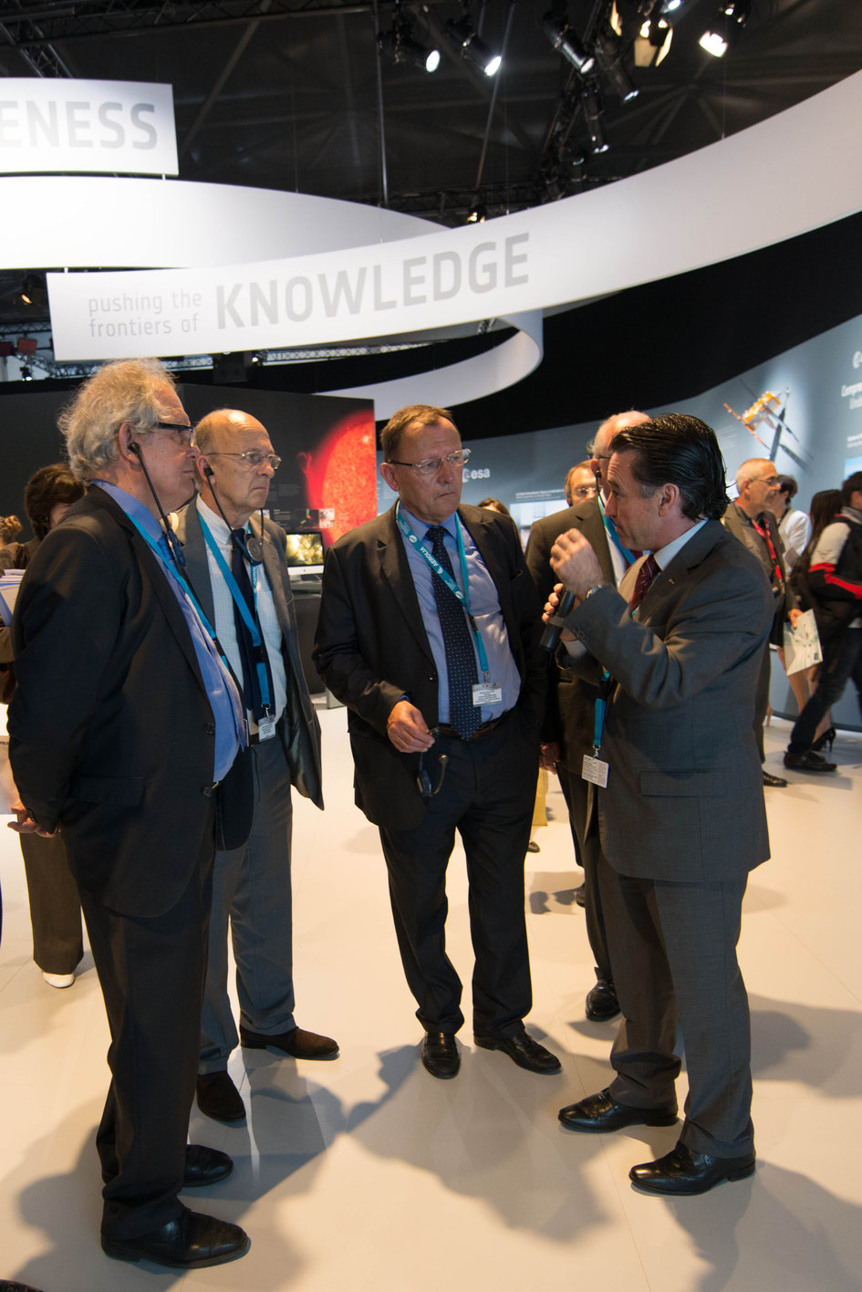 Fernando Doblas presents to the Members of the OPECST of France the ESA Pavilion
