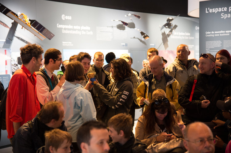 Public after a space quiz at ESA pavilion
