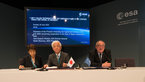 [15/44] Signature of an agreement between ESA and JAXA concerning cooperation in the field of Space components