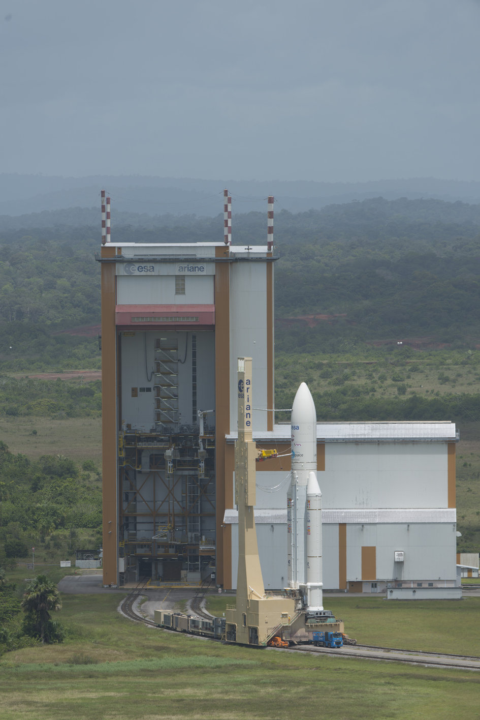 Transfer of Ariane 5 VA 213