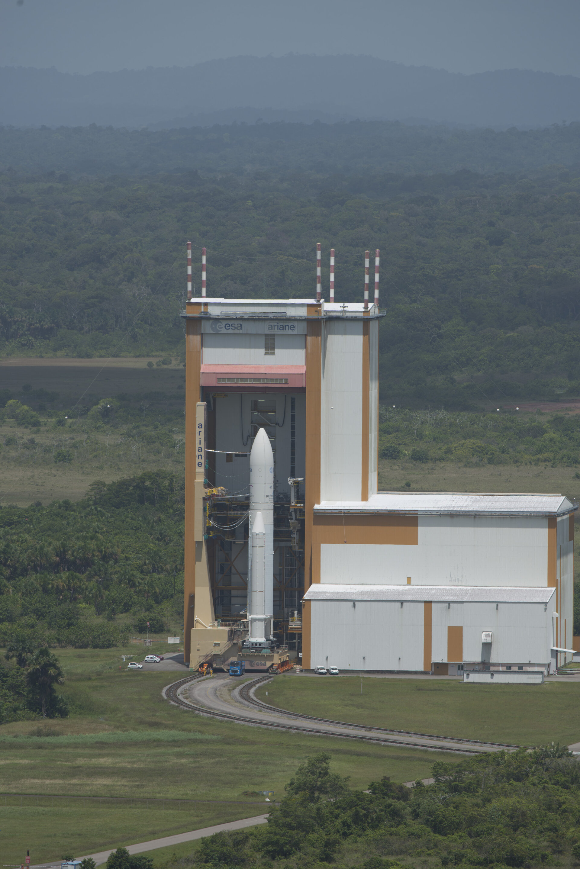 Ariane 5 VA 213 during transfer from BAF to the launch pad