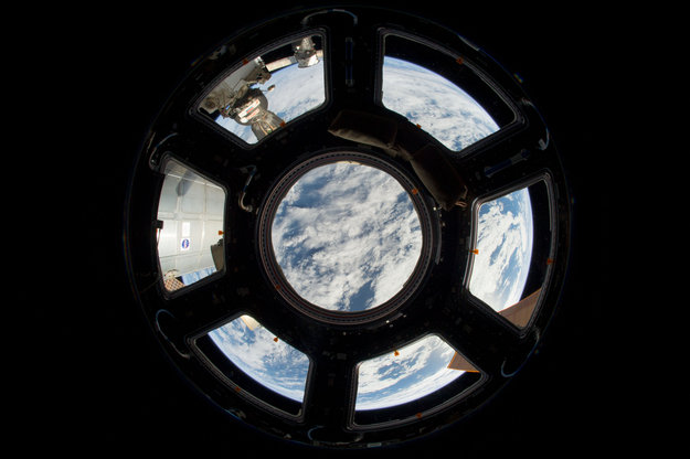 big square window space station - photo #22