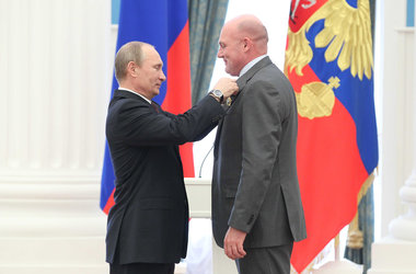 André Kuipers receives Order of Friendship from Russian president Putin