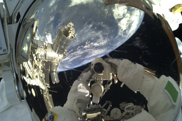 Luca's spacewalk selfie