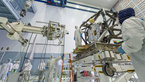 [4/7] MIRI integration into JWST payload module