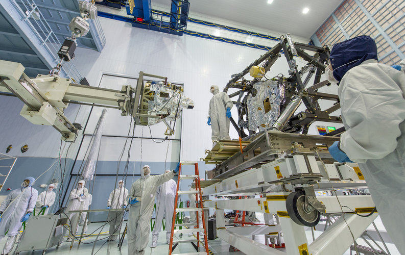 MIRI integration into JWST payload module