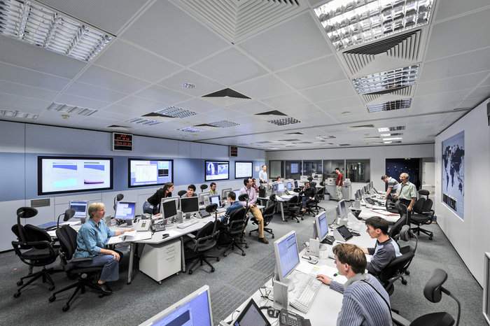 Flight dynamics experts at our ESOC operations centre work on every ESA mission, from those in very low orbits, like Swarm and CryoSat, to those exploring our Solar System, like Rosetta and ExoMars.