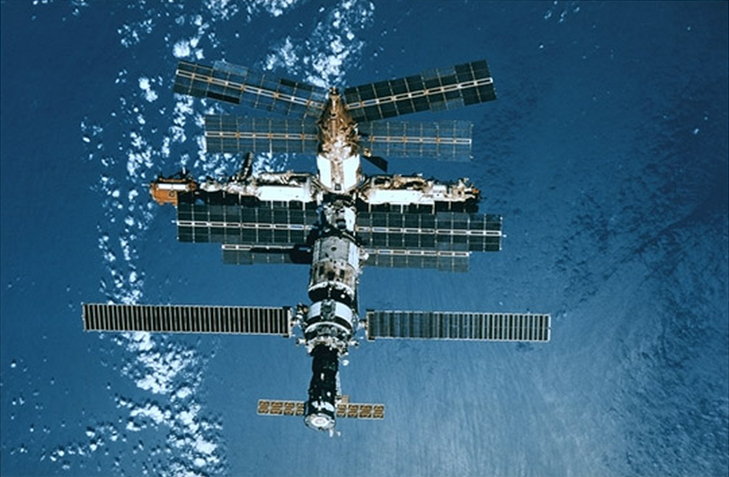 russian mir space station crash - photo #12