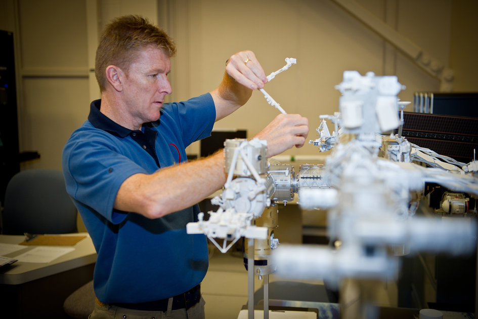 Tim training on Canadarm