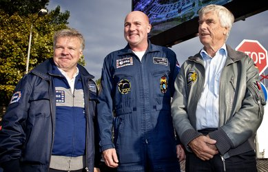 Astronauts Reinhold Ewald, André Kuipers and Ulf Merbold