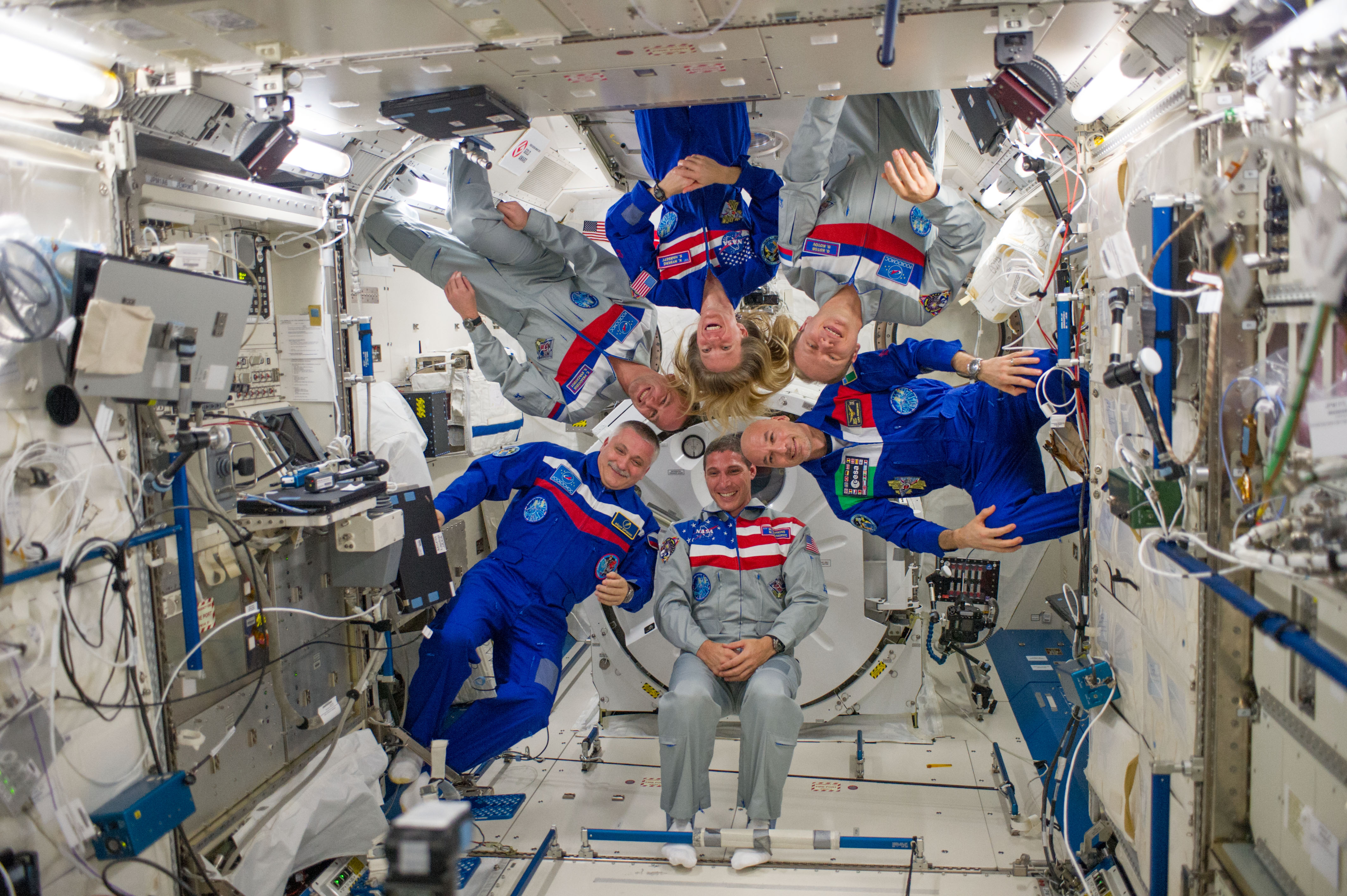 inside space station images - photo #4