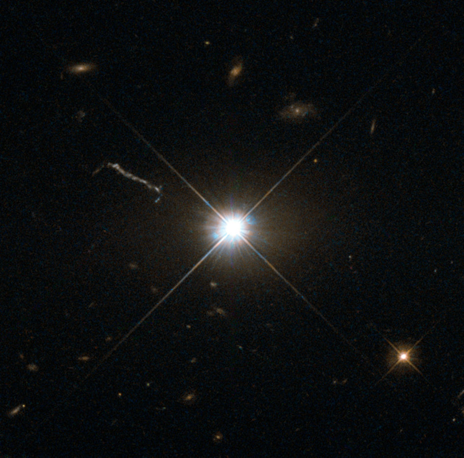 Best image of bright quasar 3C 273