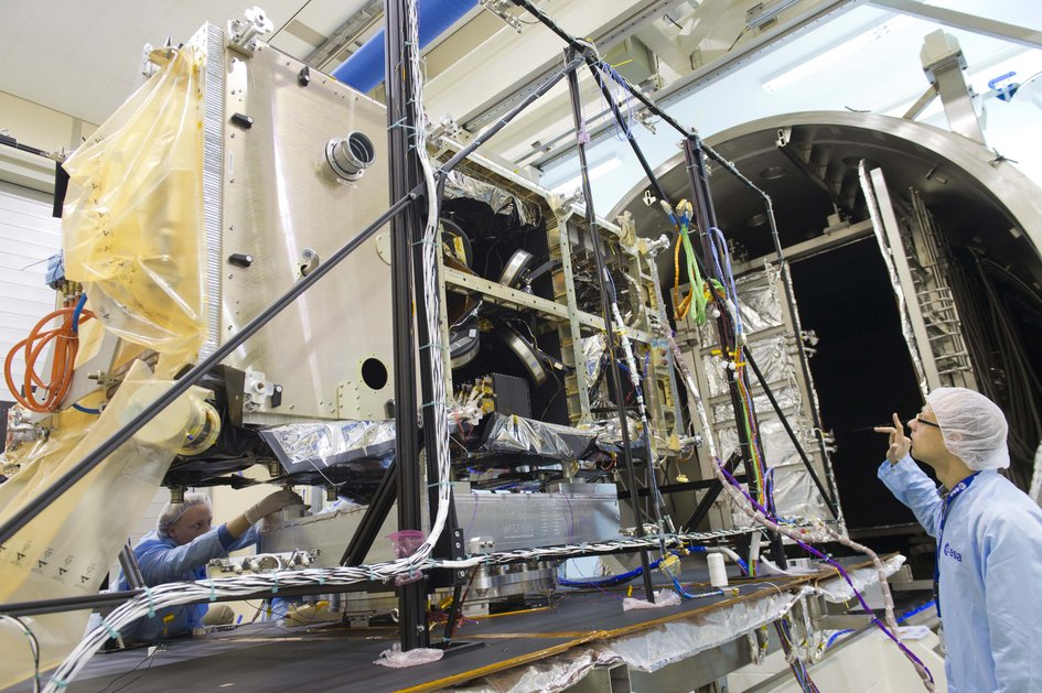 Galileo FOC FM1 prepared for Phenix testing