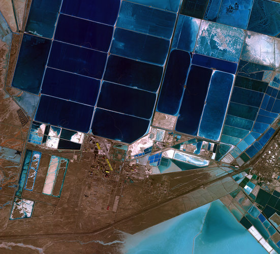 False-colour composite image of the Qarhan Salt Lake in China