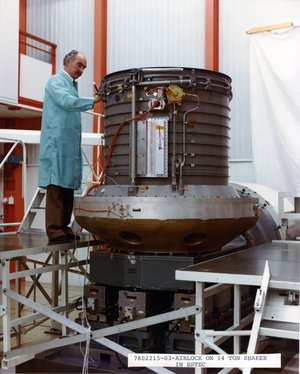 Spacelab airlock tested at ESTEC in 1981