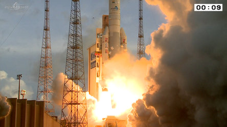 Ariane 5 liftoff on flight VA221