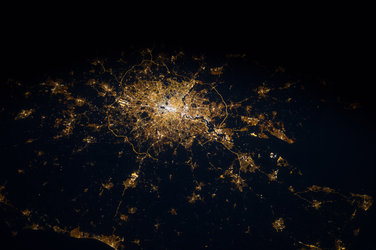 London and surroundings at night