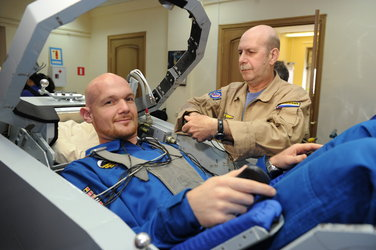 Alexander Gerst ready for a centrifuge training session