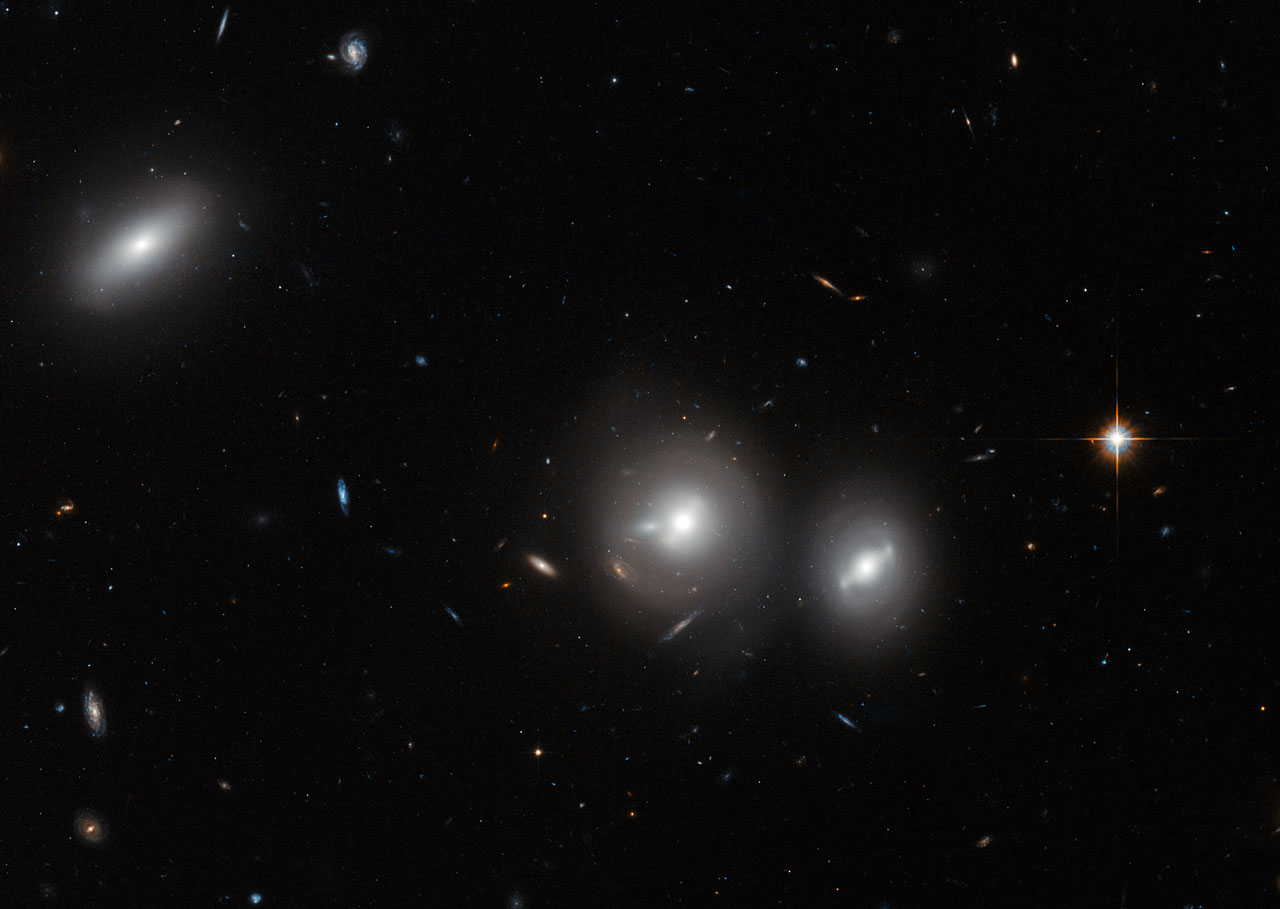 Space in Images - 2014 - 01 - Hubble close-up on the Coma ...