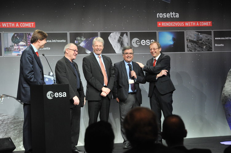 Q&A session at the ESOC Rosetta wake-up event