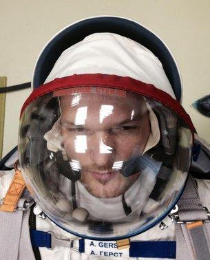 Inside astronaut Alexander's head / Human Spaceflight ...