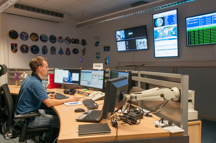 EUROCOM relaying feedback from the Columbus Flight Control Team