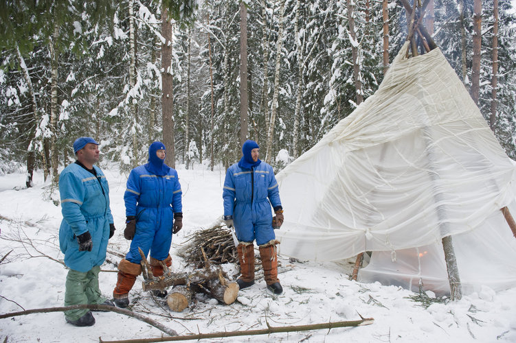 Expedition 40/41 prime crew during winter survival training
