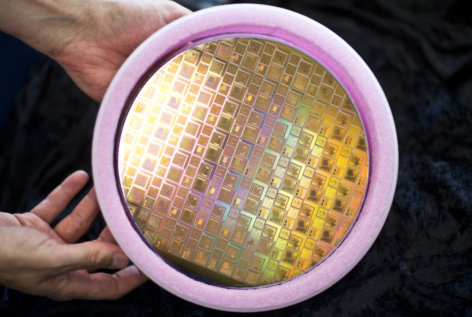 Integrated circuits on silicon wafer
