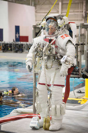 Andreas spacewalk training