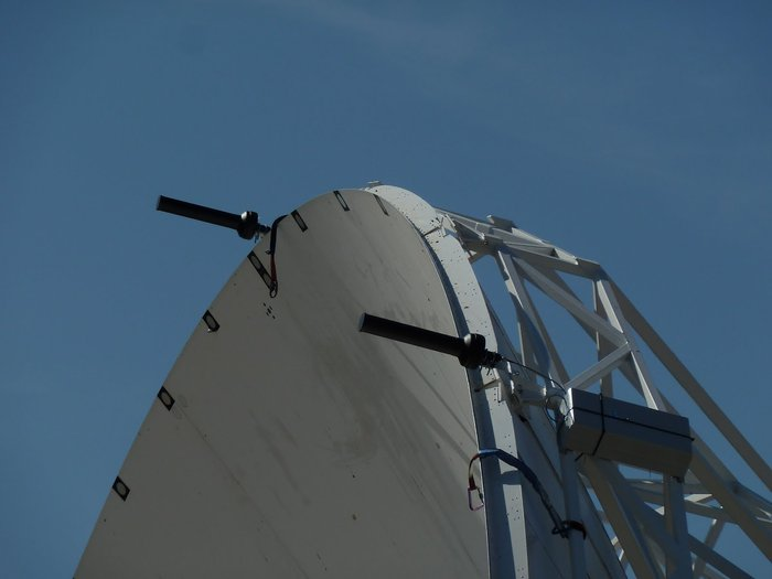 SARAS – a Spanish acronym for 'Fast Acquisition of Satellites and Launchers' – is a circular array of eight small radio-frequency sensors mounted around the rim of an existing dish antenna.