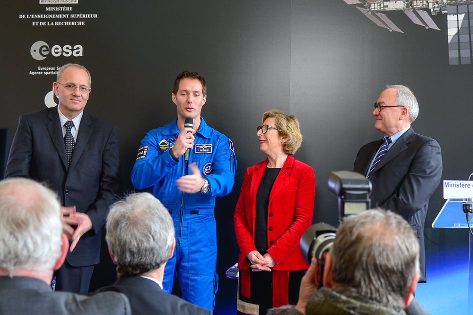 Press conference announcing the assignment of Thomas Pesquet to a long-duration mission to the ISS