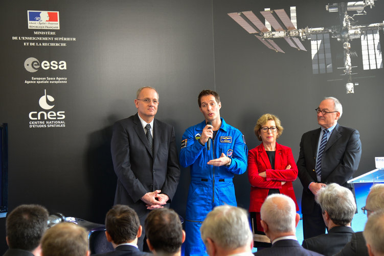 Press conference announcing Thomas Pesquet's long-duration mission to the ISS