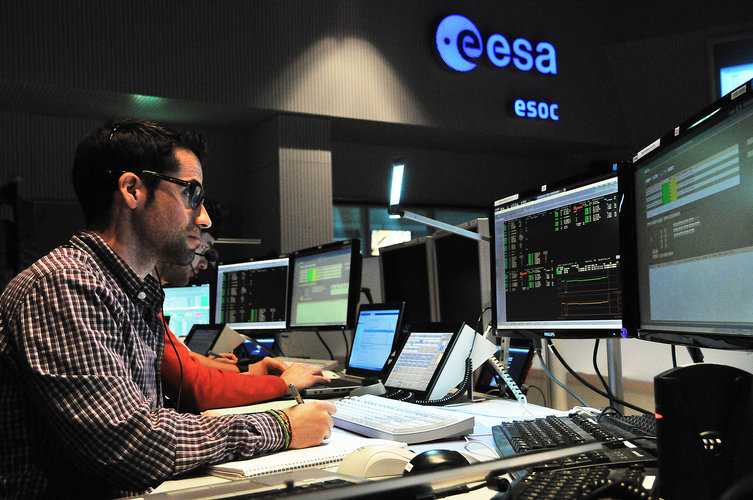 Sentinel-1 teams in training at ESOC